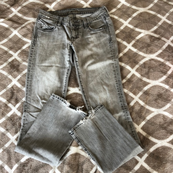 Old Navy Denim - *2/$15* The Diva ON Jeans Lowest Rise Bootcut